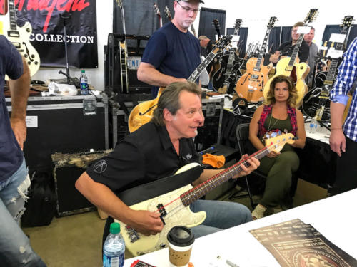 ted nugent plays stranglehold bass line